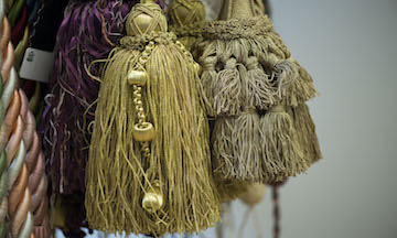 Rope tie-back with tassel